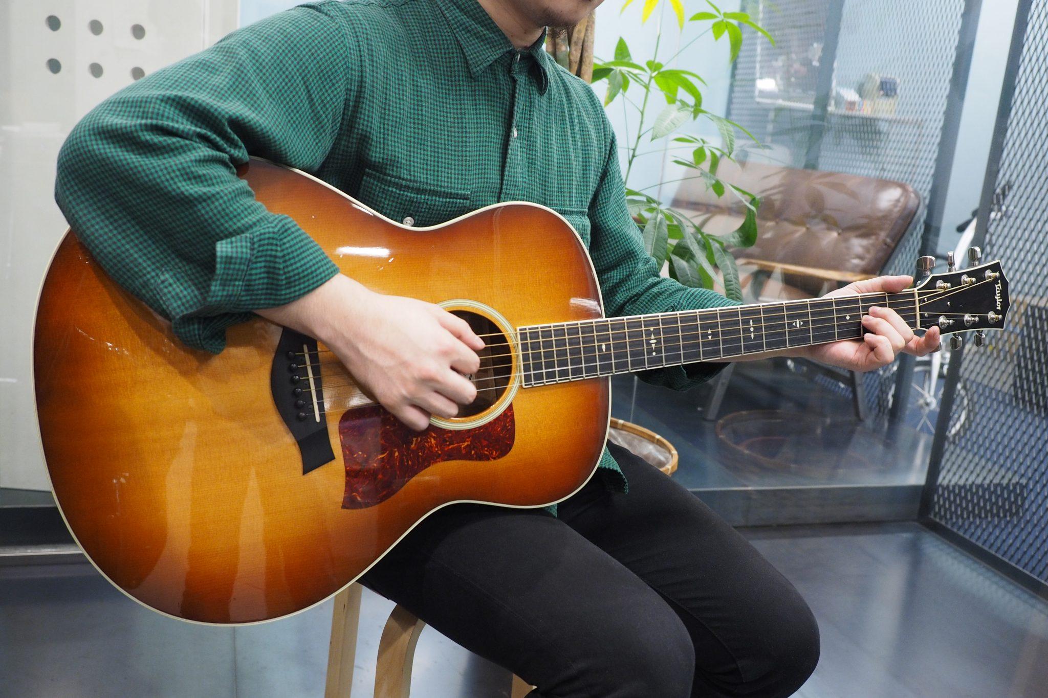 Taylor Grand Orchestraタイプのアコースティック・ギター